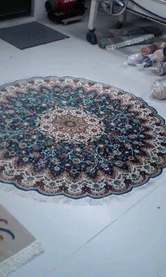 円形の絨毯